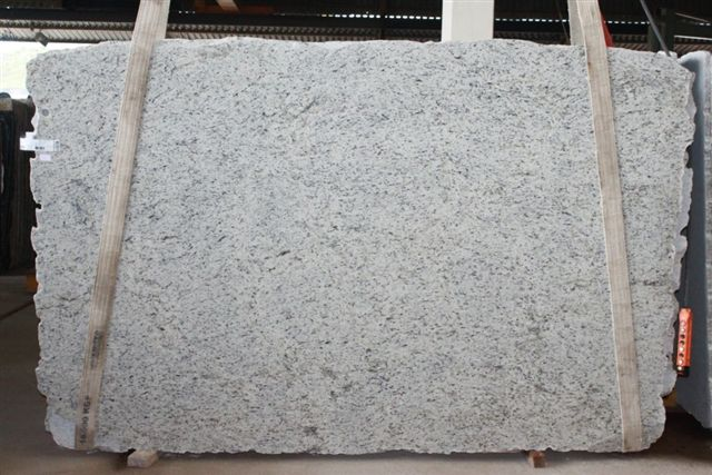 Ornamental White Granite Polished Granite Slabs with Top Quality