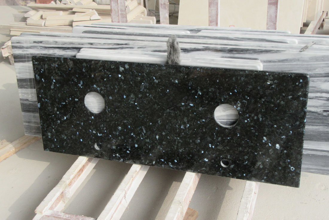 Polished Emerald Pearl Granite Bathroom Vanity Tops
