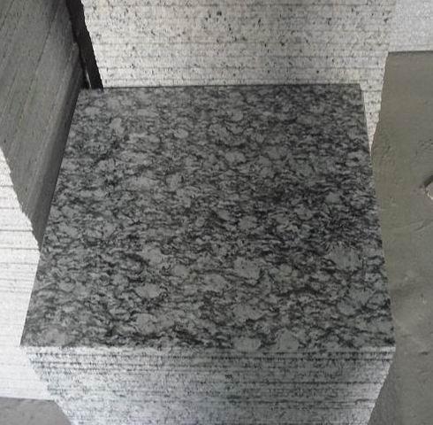 Polished Spray White Granite Tiles Wave White Granite Tiles