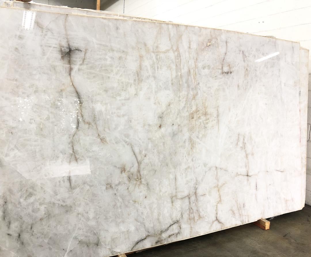 Polished Translucent Quartzite Slabs White Quartzite Slabs