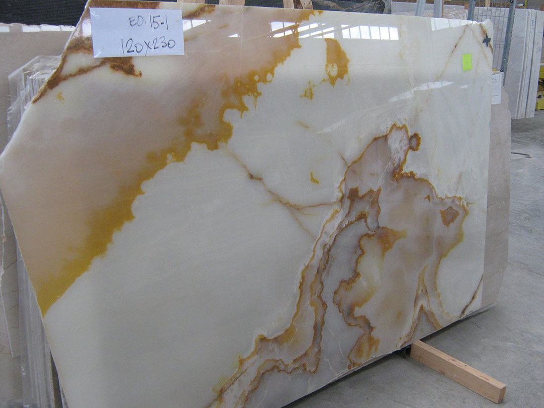 Polished White Onyx Slabs from Turkey