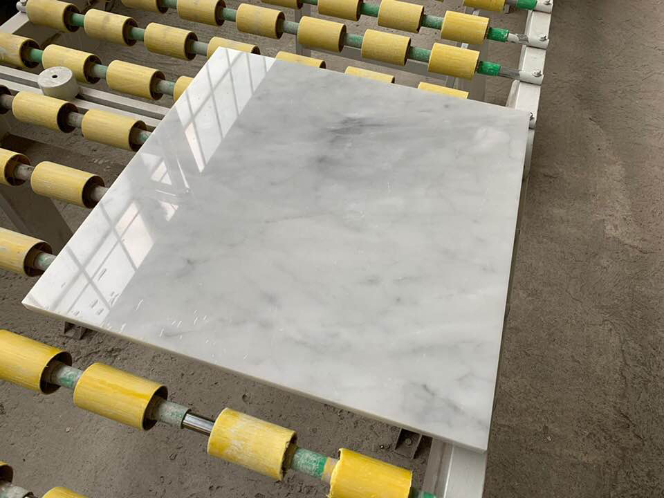 Polishing White Carrara Tiles Flooring White Tiles