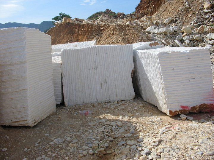 Pure Snow White Marble Natural Blocks Fine Grain