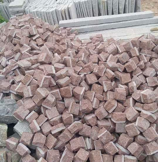 Red Granite Natural Cube Stone