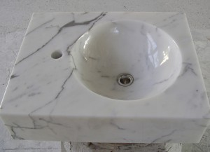 SINK IN CARRARA MARBLE