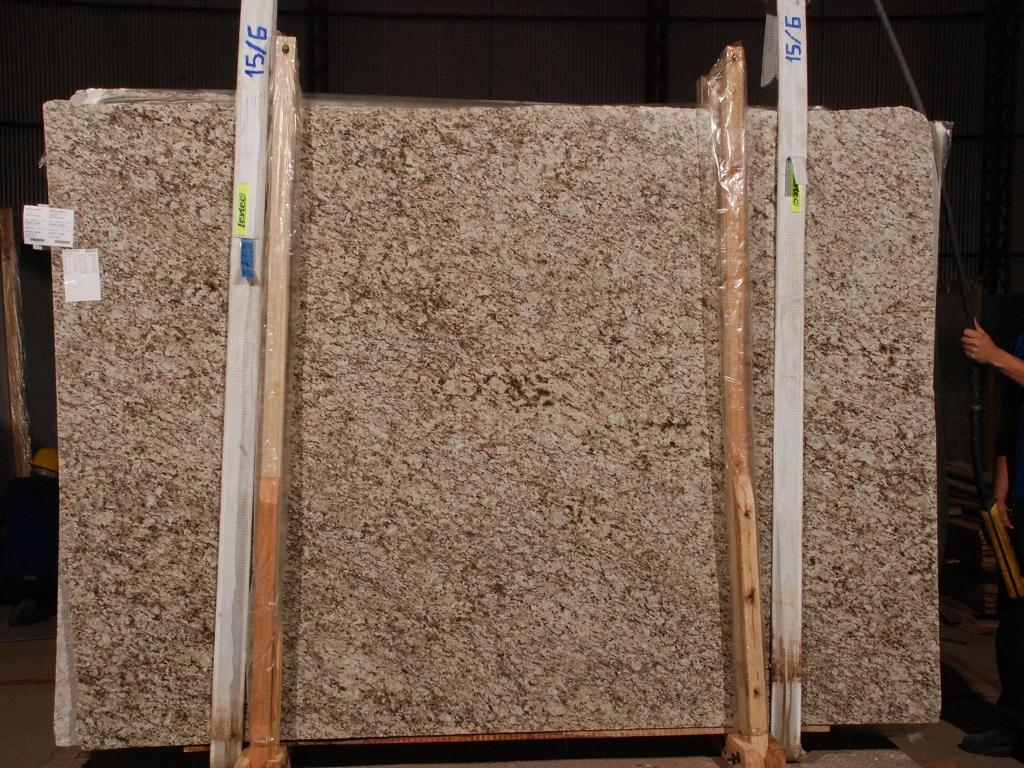 Santa Cecilia Granite Slabs Beige Granite Slabs for Countertops