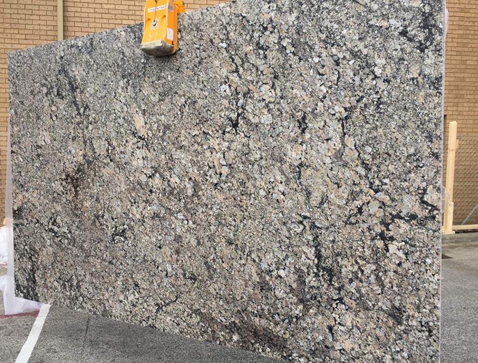 Santa Cecilia Granite Slabs Polished Brazilian Granite Stone Slabs