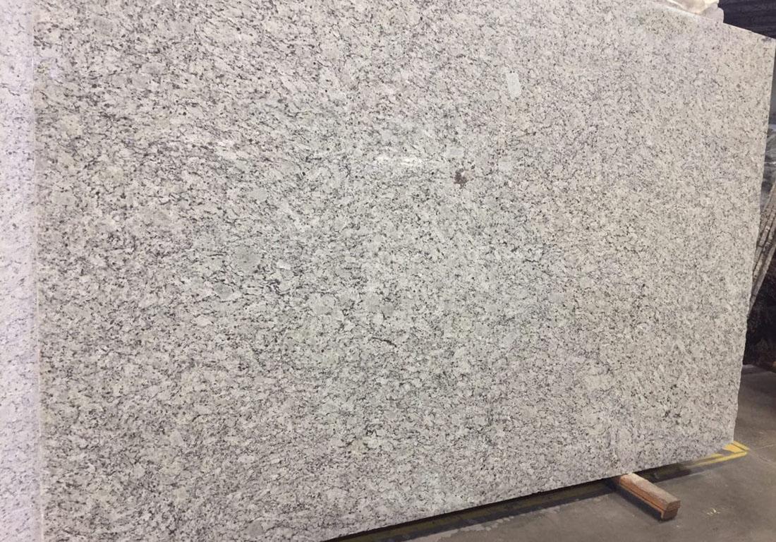 Santa Cecilia Light Granite Slab Polished Granite Slabs for Kitchen