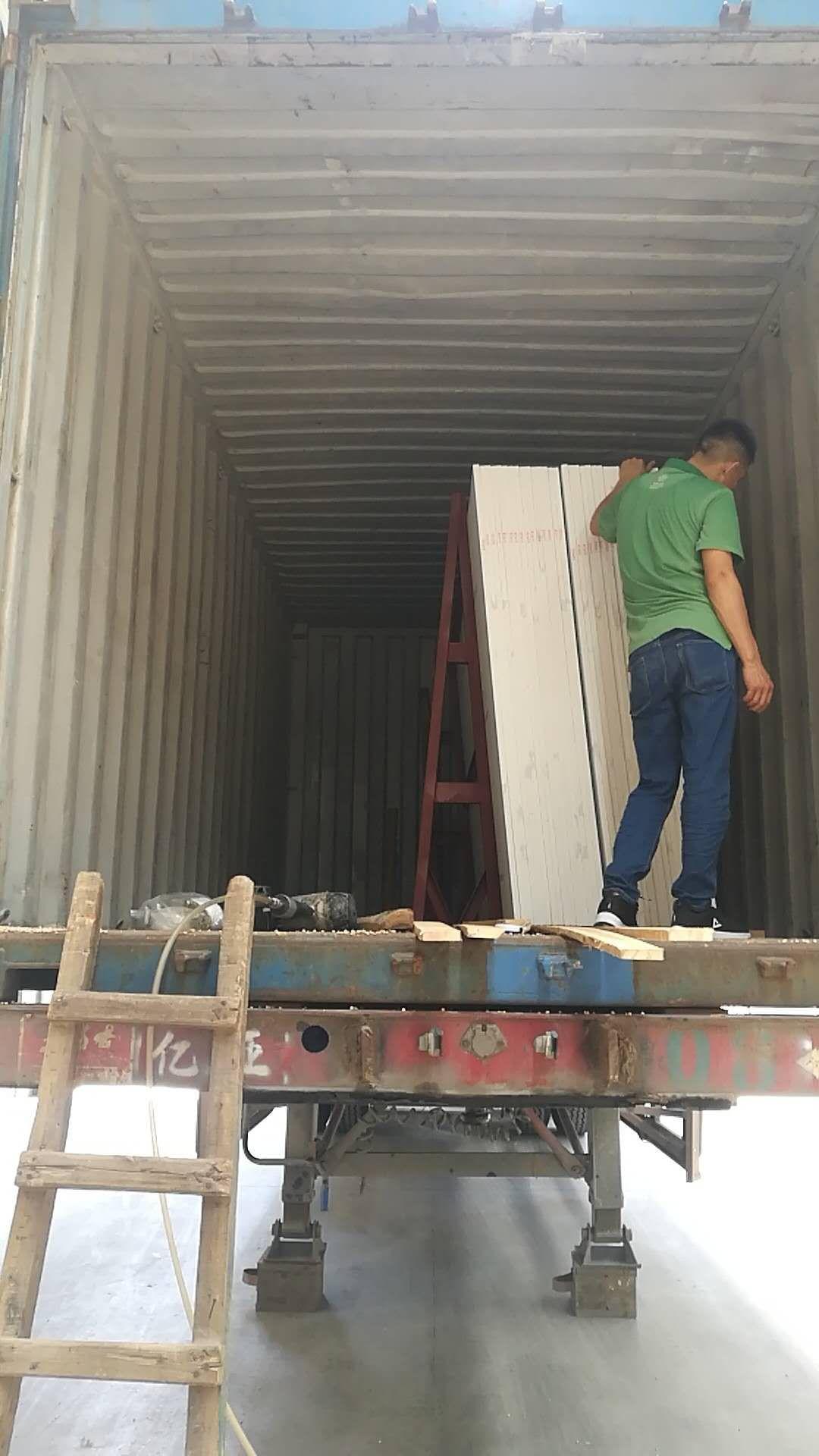 Slab Storage Racks in Container
