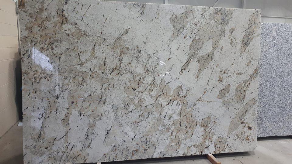 Snowfall White Granite Slabs Brazilian Polished Granite Slabs