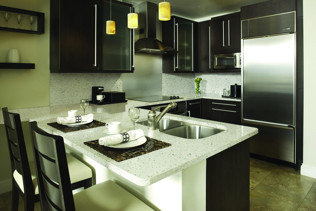 Sparking White Artificial Quartz Kitchen Countertops