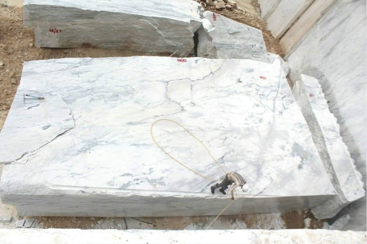 Spider White Marble Blocks