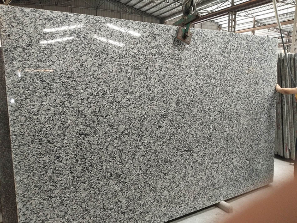 Spray White Granite Slabs Polished Granite Slabs with Top Quality