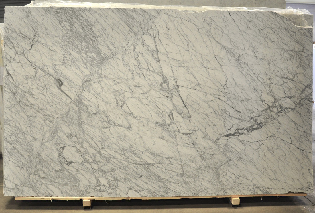 Statuarietto White Marble Slabs Top Quality Italian Honed Marble Slabs