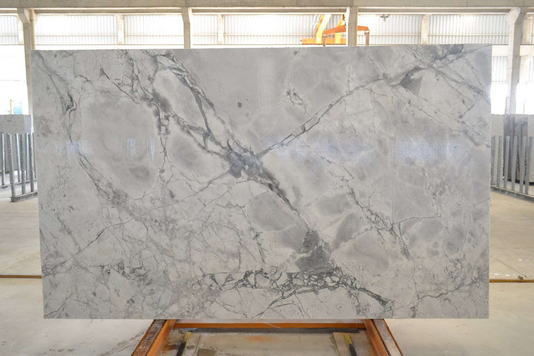 Super White Extra Quartzite Stone Slabs Premium Quartzite Slabs for Countertops