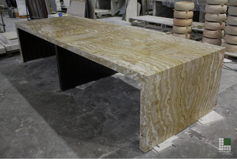 Tavolo in Onice Tigre alleggerito Marble Table Top