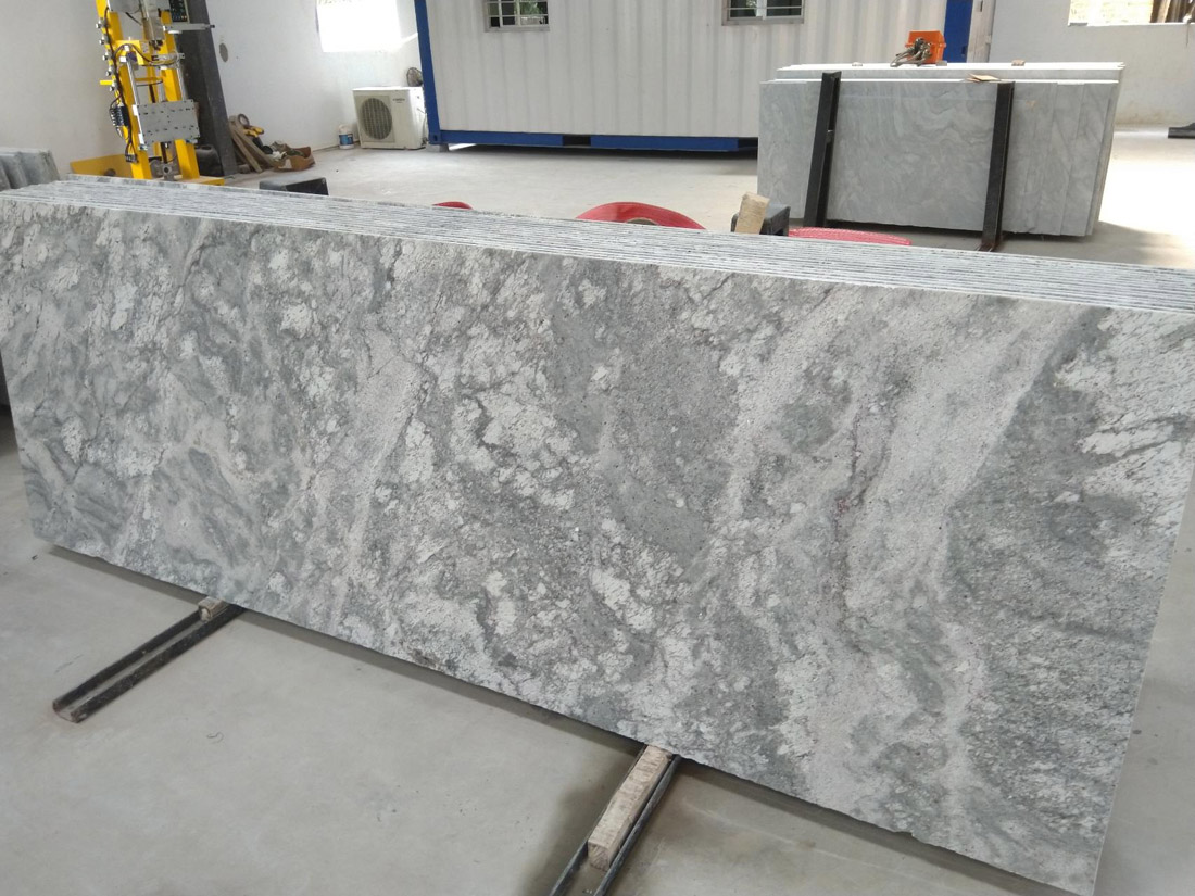 Thunder White Granite Slab Polished Indian Granite Slabs