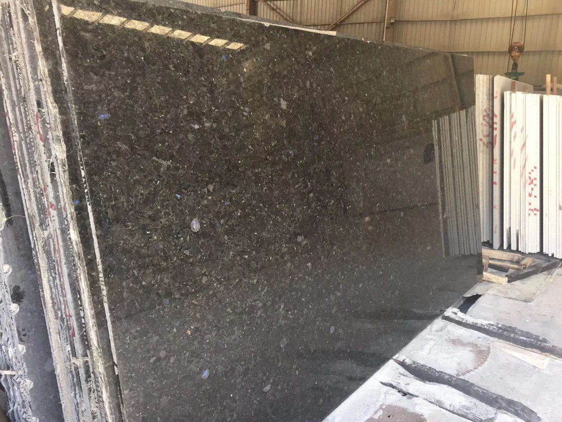 Ukrain Volga Blue Crystal Black Blue Opal Granite Slabs