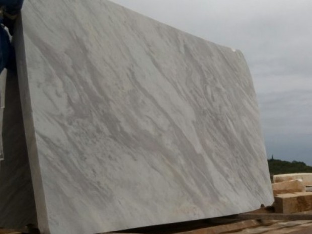 VOLAKAS MAVIMAR Marble in Blocks Slabs Tiles