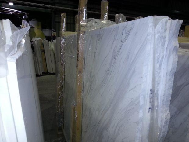 VOLAKAS WHITE Marble in Blocks Slabs Tiles