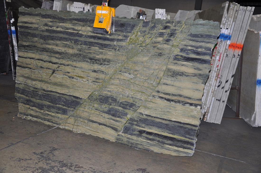 Verde Amazonia Quartzite Slabs Green Polished Quartzite Slabs