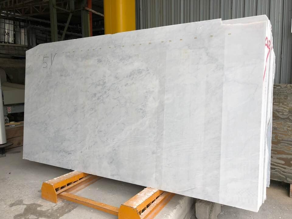 White Carrara Slabs Polished White Marble Slabs 2 cm