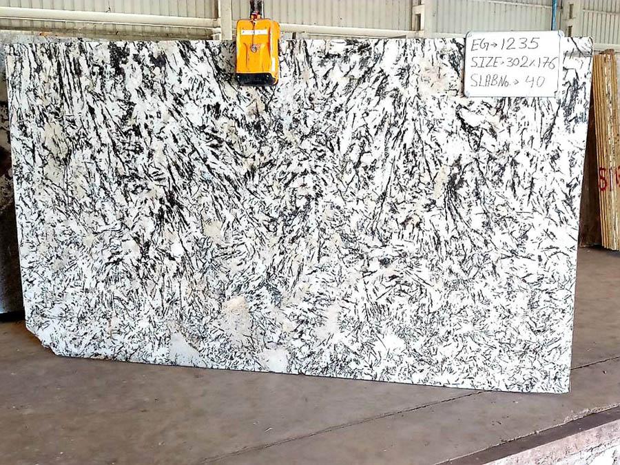 White Granite Polished Slabs Alaska White Granite from India
