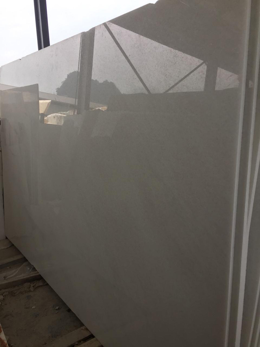 White Marble Slabs Polished Made in VietNam