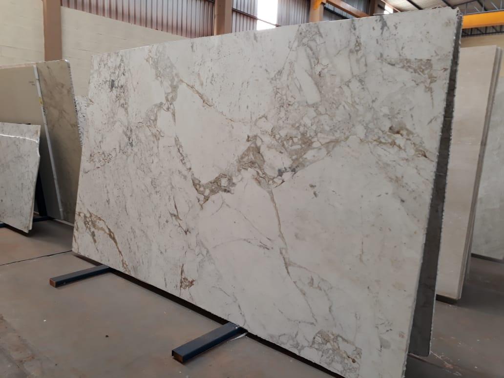 White Polished Marble Slabs Brazilian Novulato Slabs