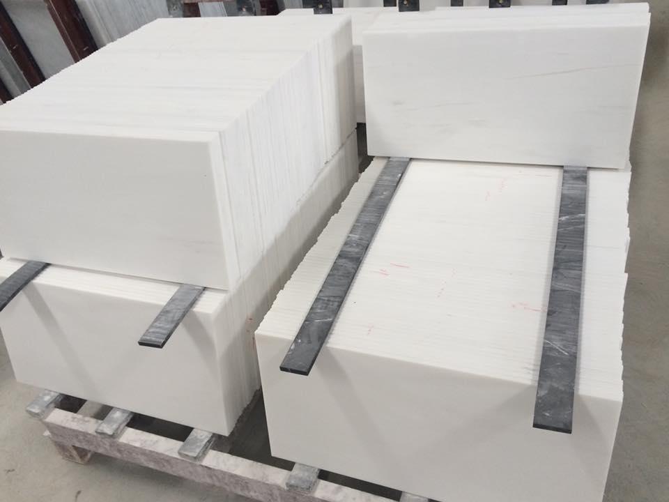 White Polished Tiles Bianco Dolomiti Marble Tiles