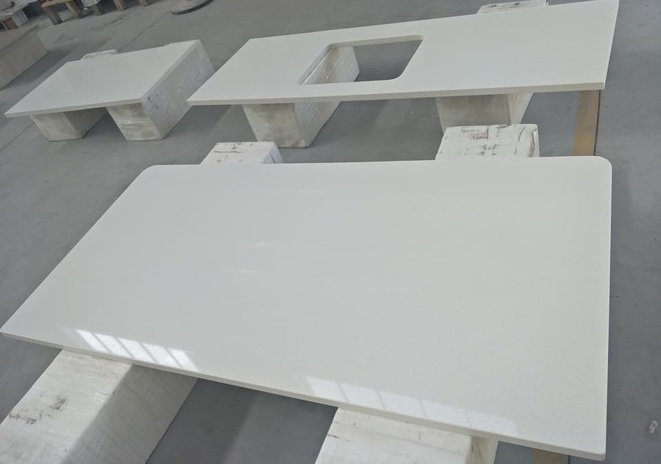 White Quartz Countertops from China
