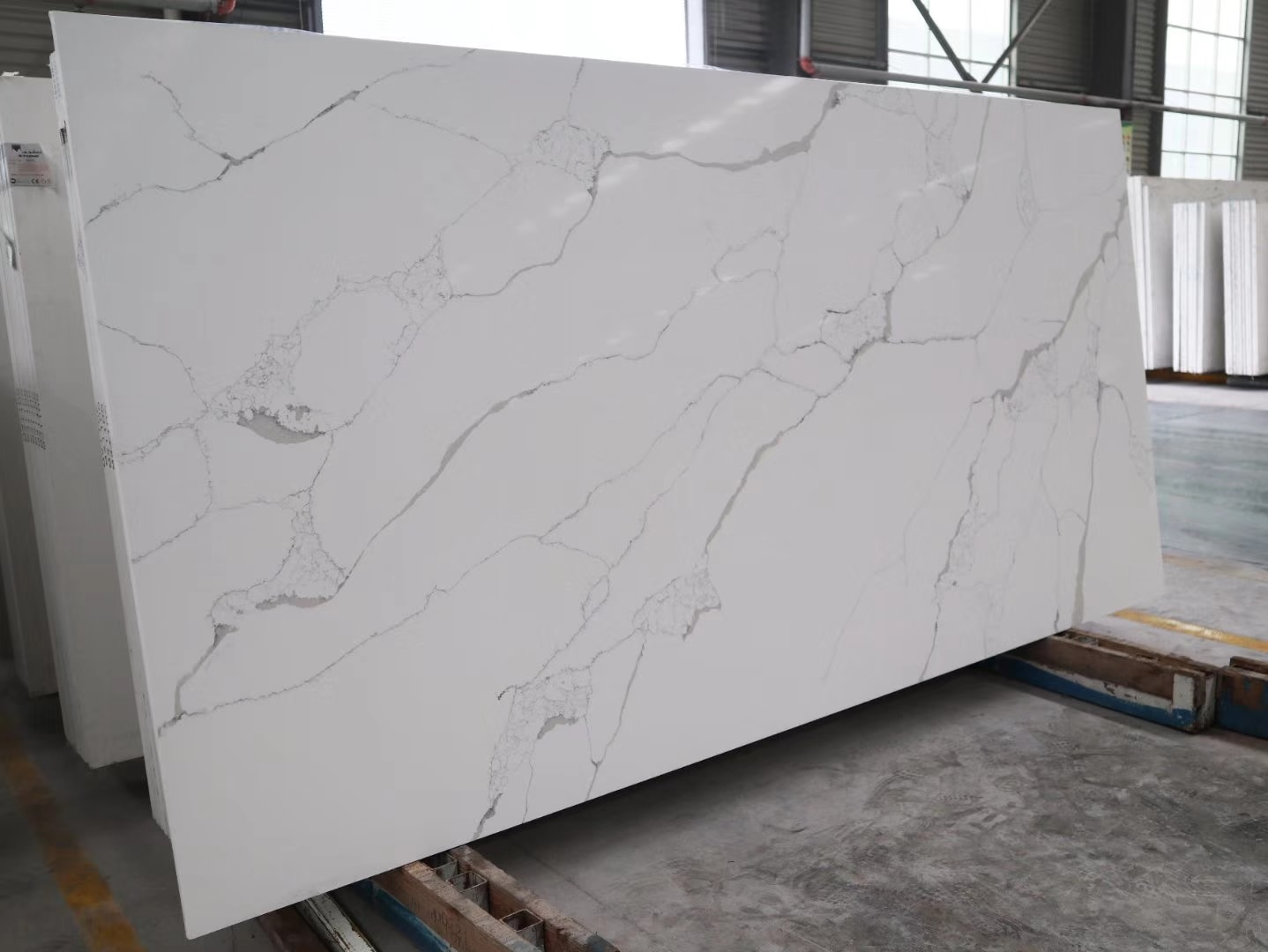 White Quartz Stone Artificial Slabs for Countertops