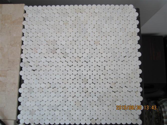 White Round Mosaic