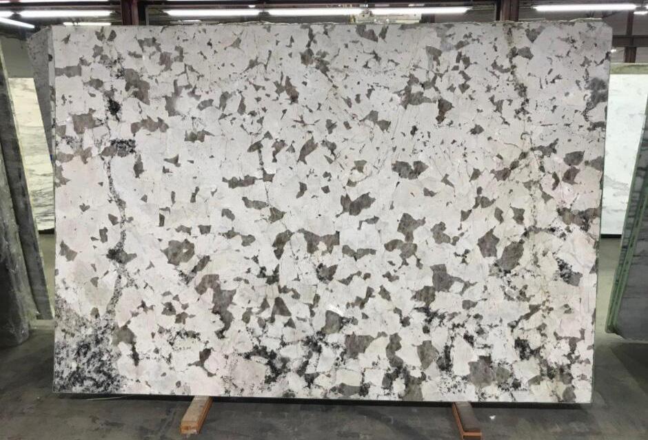 White Soul Granite Slabs Brazil White Polished Granite Slabs
