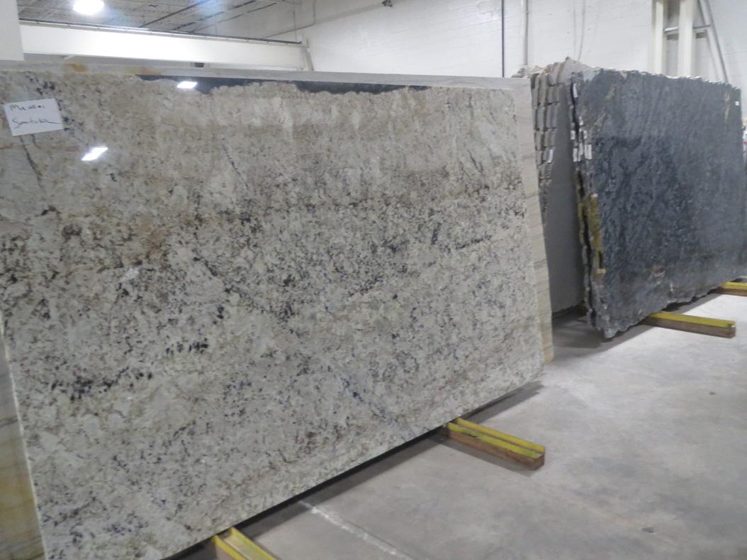 White Spring Granite Polished Slab Brazilian White Granite Slabs