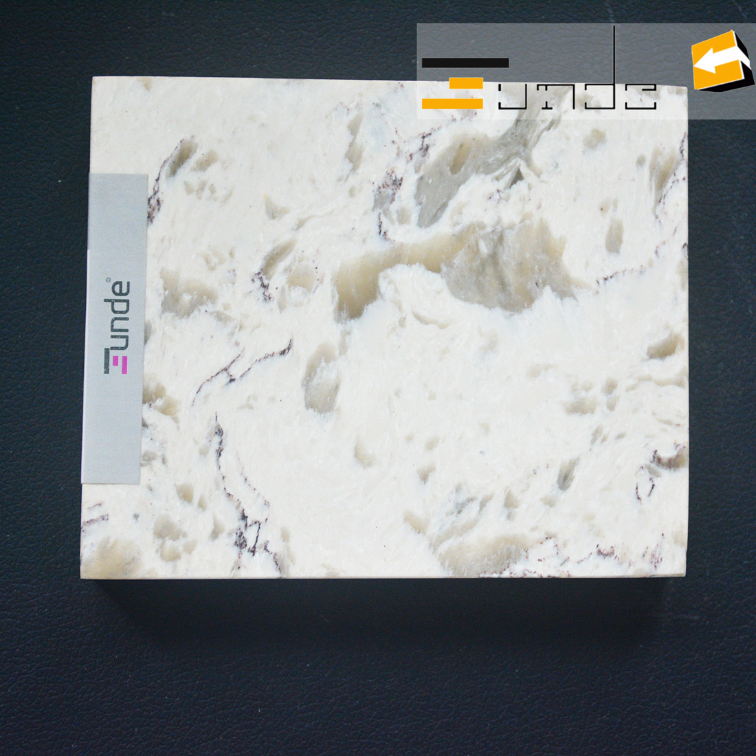 calacatta white quartz stone sample jd416