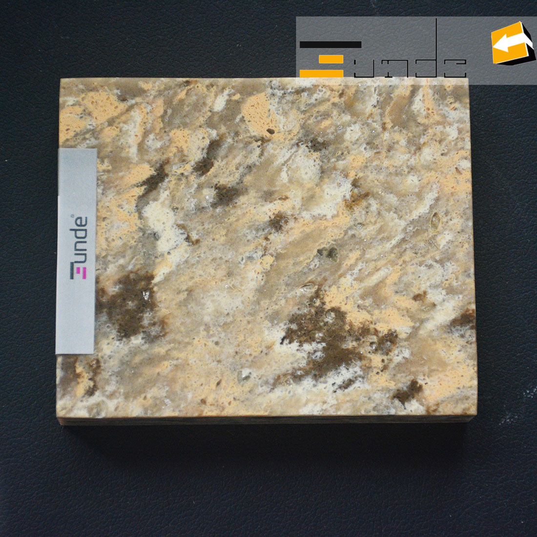 calacatta yellow quartz stone sample jd413
