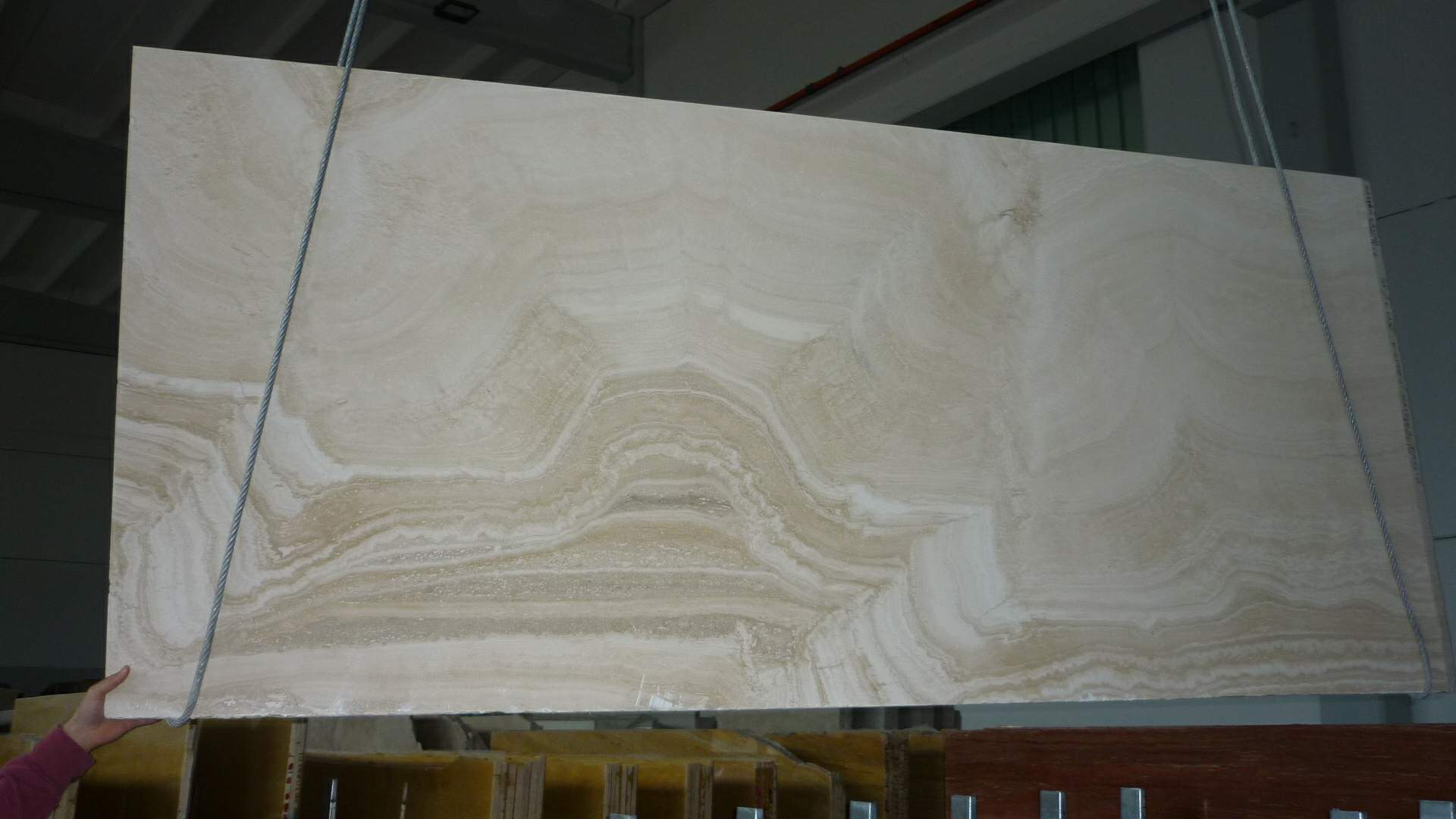 travertino Alabastrino Slabs