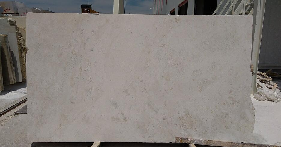 vanilla marble slabs from Greek marble supplier