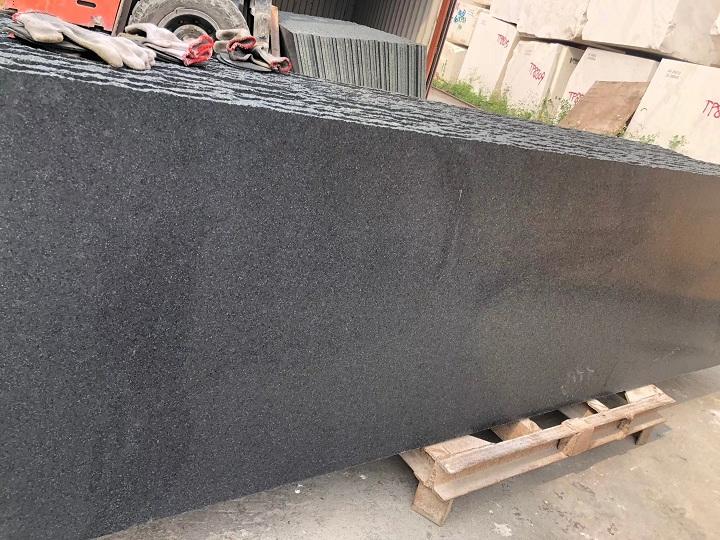 Golden Black Granite Slabs