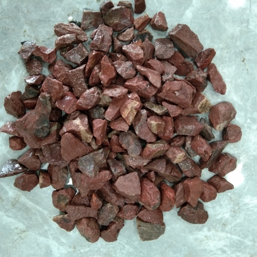 small size of gravel stone aggregate stone -red