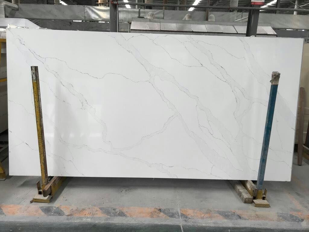 Artificial calacatta quartz stone slabs