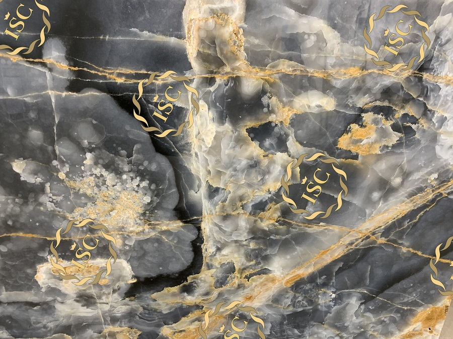Tiles and slabs made of onyx