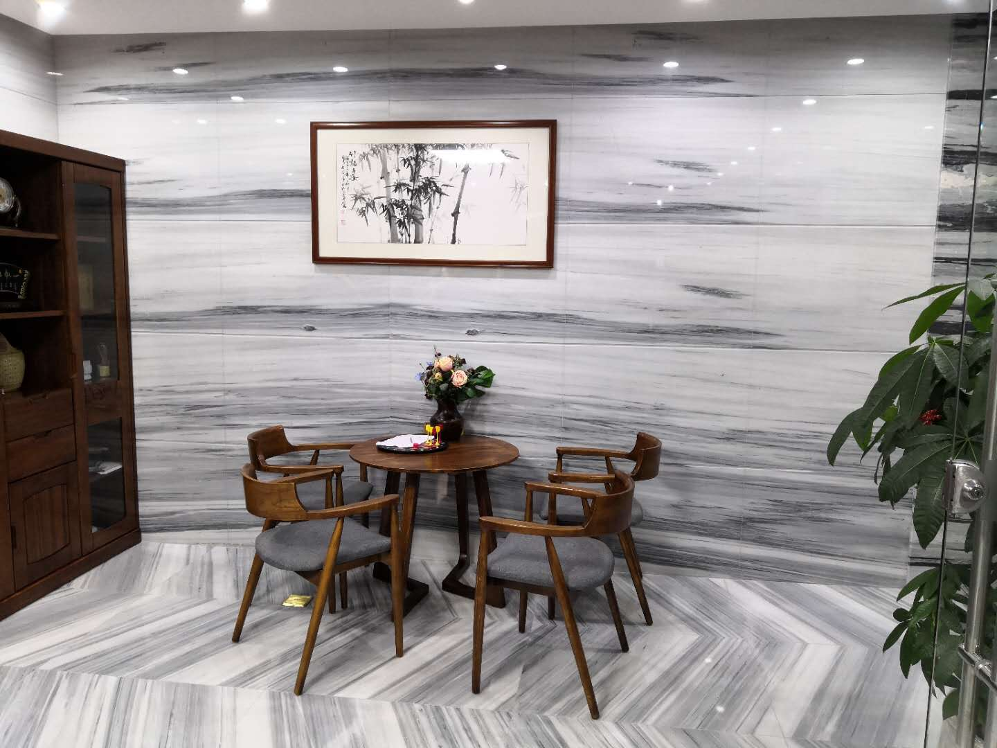 England Grey Wooden Marble Tiles for Flooring and Walling