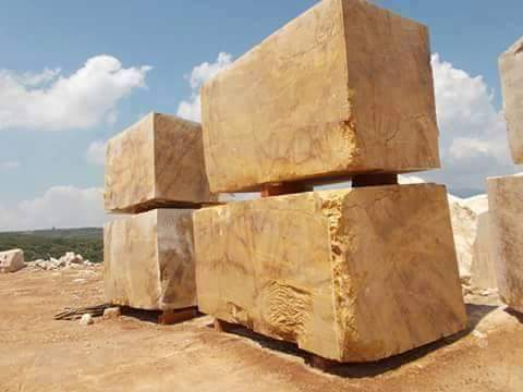GOLDEN YELLOW PICASSORO QUARRY AND BLOCKS