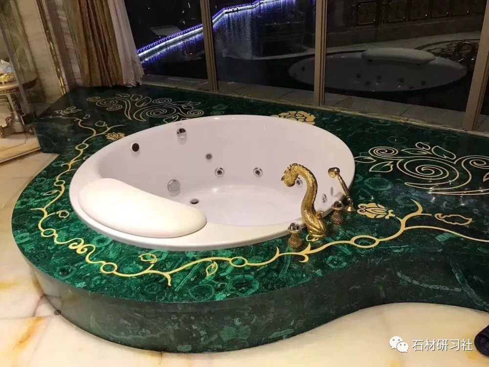 Formosa Green Bathtub Surround