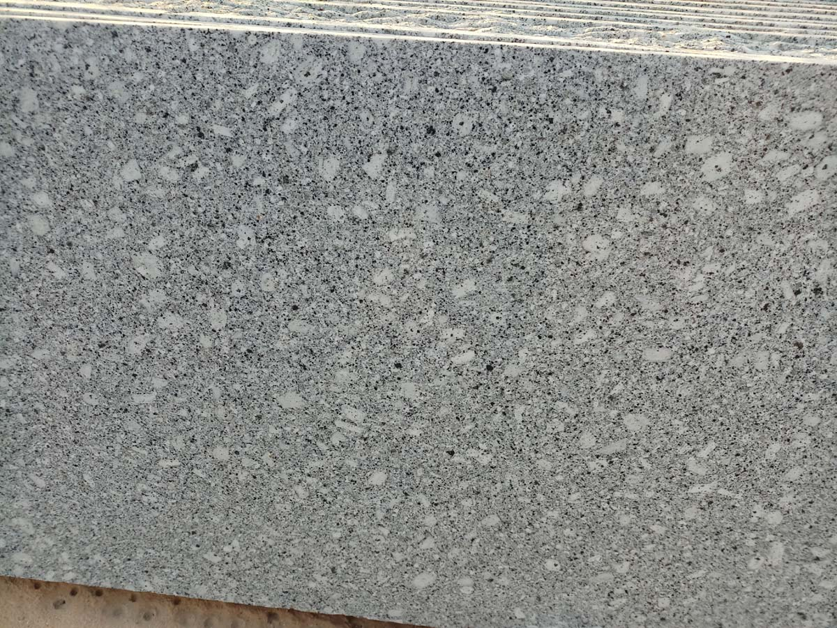 Indian White Granite Polished Slabs