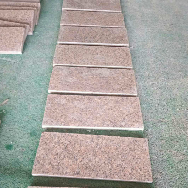 Maple Red Granite Flamed Way