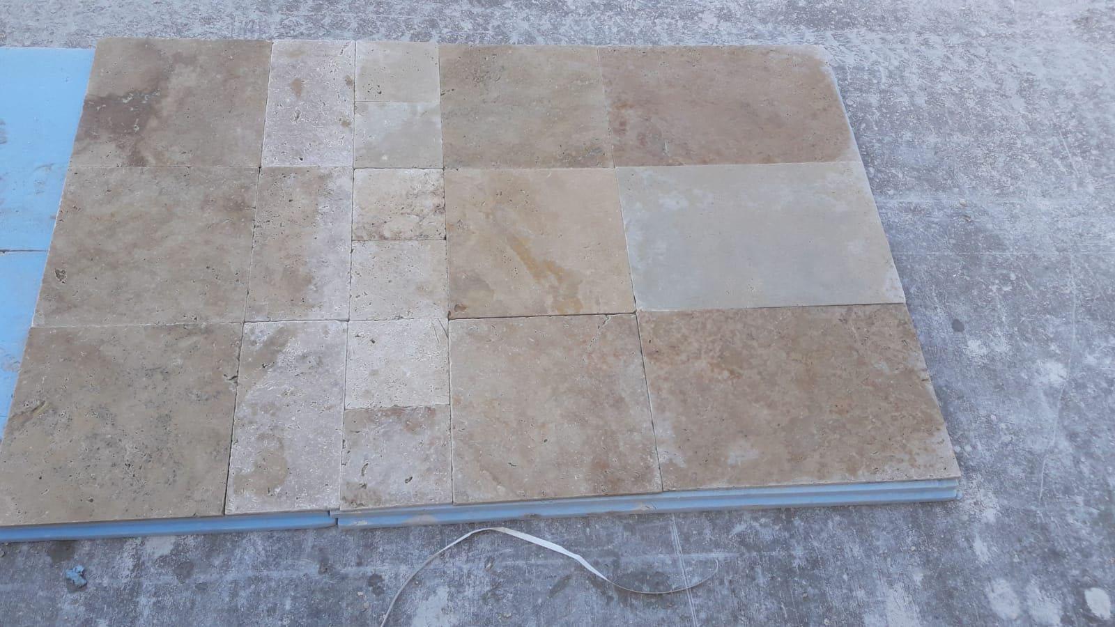 BEIGE TRAVERTINE FRENCH PATTERN SET X1.2CM