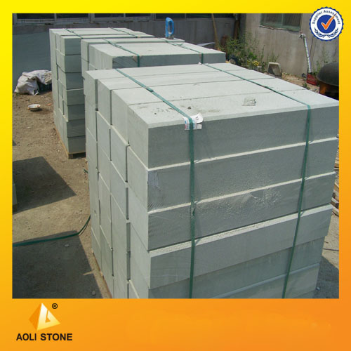 Green sandstone curbstone for paver